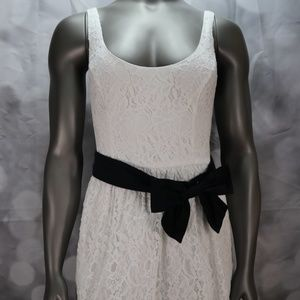 Juniors Hollister Fit and Flare Dress size Large